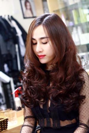 tóc dài nữ tính