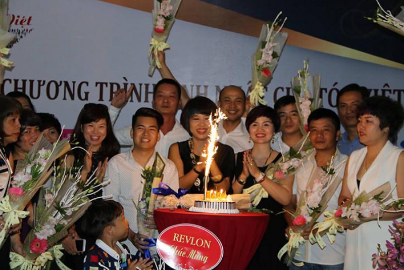 CLB Tóc Việt- Đoàn kết, Kỹ thuật và Thành công 3