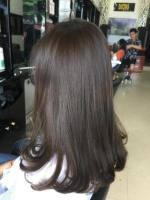 Tóc dài đuôi cụp cá tính