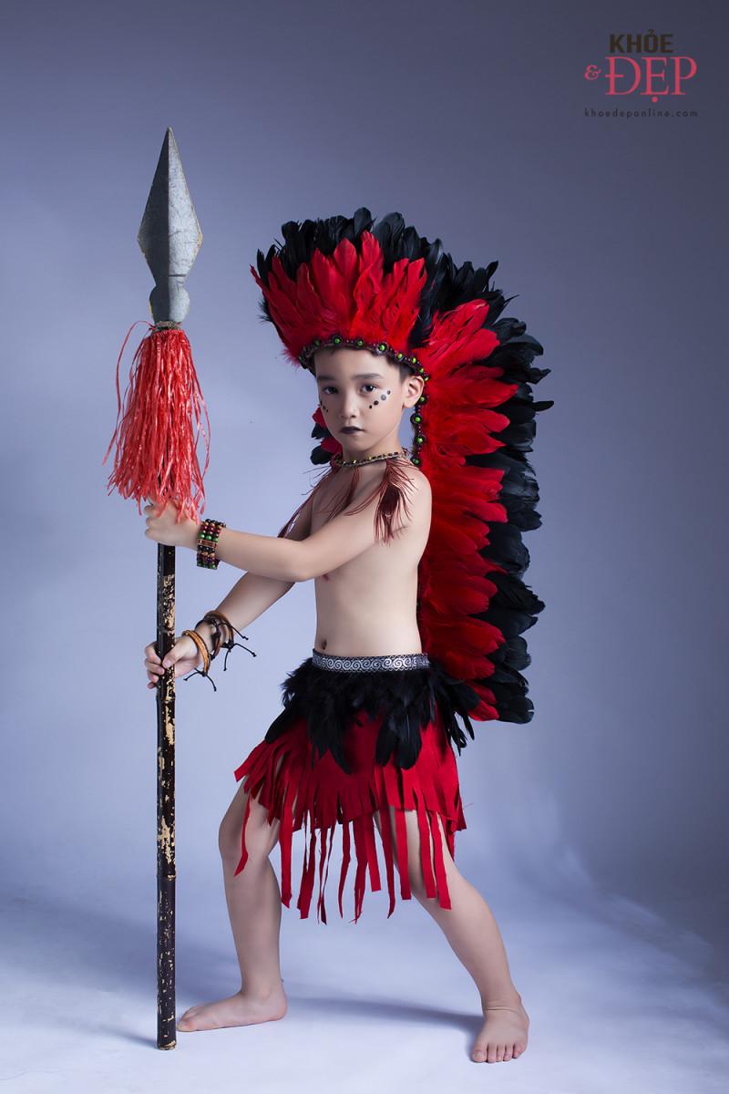Gương mặt đại diện Siêu Sao Tài Năng Nhí Cao Hữu Nhật hoá thân thân thành thổ dân da đỏ trong bộ ảnh mới 2