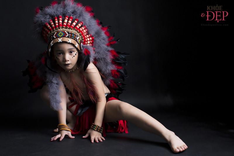 Gương mặt đại diện Siêu Sao Tài Năng Nhí Cao Hữu Nhật hoá thân thân thành thổ dân da đỏ trong bộ ảnh mới 5