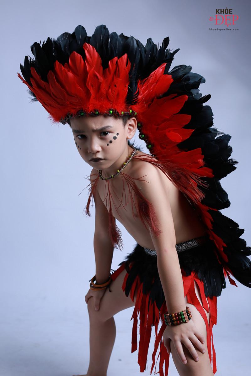 Gương mặt đại diện Siêu Sao Tài Năng Nhí Cao Hữu Nhật hoá thân thân thành thổ dân da đỏ trong bộ ảnh mới 4