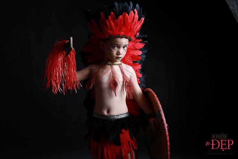 Gương mặt đại diện Siêu Sao Tài Năng Nhí Cao Hữu Nhật hoá thân thân thành thổ dân da đỏ trong bộ ảnh mới 7