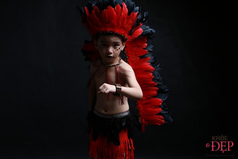 Gương mặt đại diện Siêu Sao Tài Năng Nhí Cao Hữu Nhật hoá thân thân thành thổ dân da đỏ trong bộ ảnh mới 10