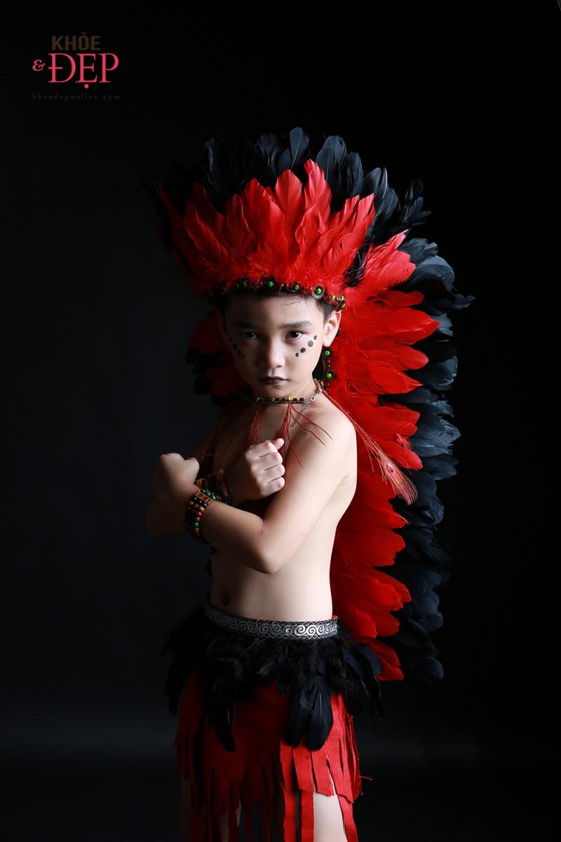 Gương mặt đại diện Siêu Sao Tài Năng Nhí Cao Hữu Nhật hoá thân thân thành thổ dân da đỏ trong bộ ảnh mới 8