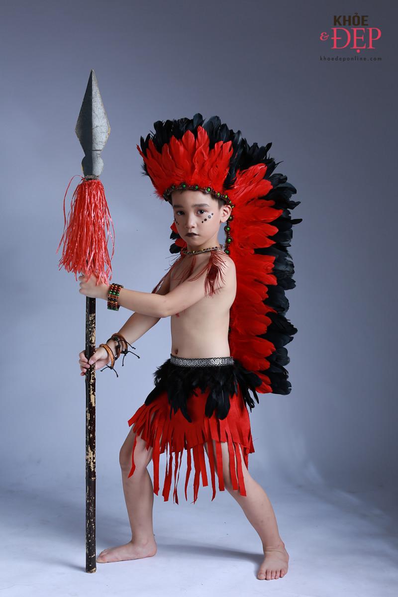 Gương mặt đại diện Siêu Sao Tài Năng Nhí Cao Hữu Nhật hoá thân thân thành thổ dân da đỏ trong bộ ảnh mới 6