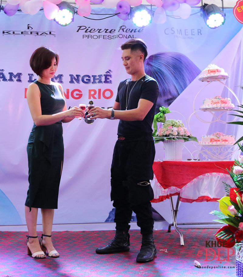 Tưng bừng kỷ niệm 10 năm làm nghề của NTMT Dương Bùi, 10 năm thành lập Dương Rio hair salon 4