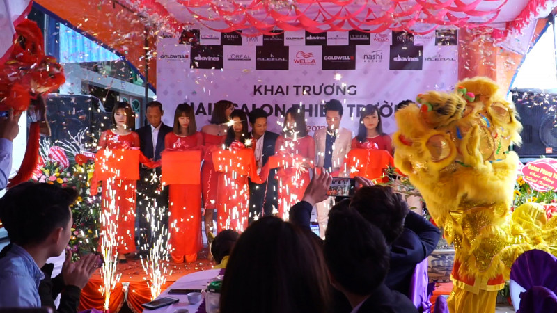 Tưng bừng khai trương hair salon Thiên Trường - 190 Hữu Nghị, thị trấn Cổ Lễ. 0