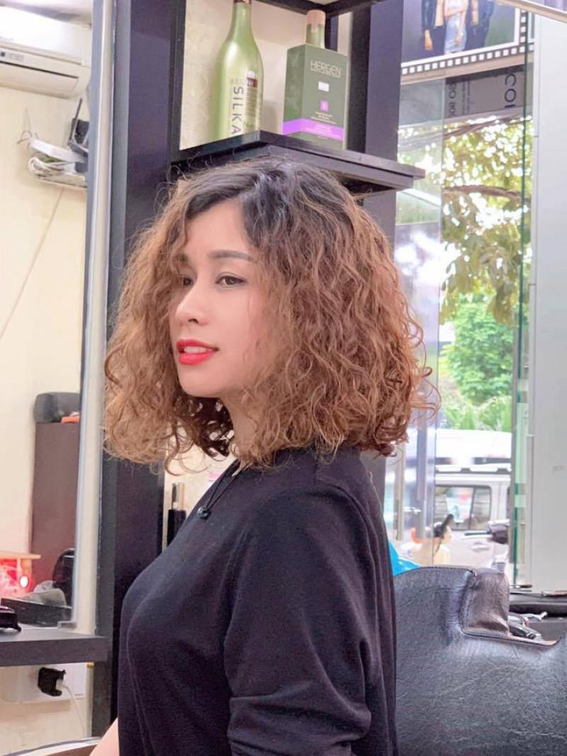 Hair Salon Quang Trường: Tâm – Tầm kết hợp, Thành Công tự đến 2