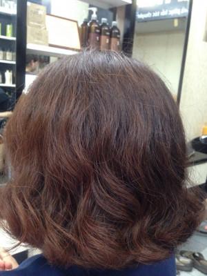 tóc ngắn xoăn sóng nhẹ Hàn