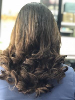 tóc uốn lọn xoăn