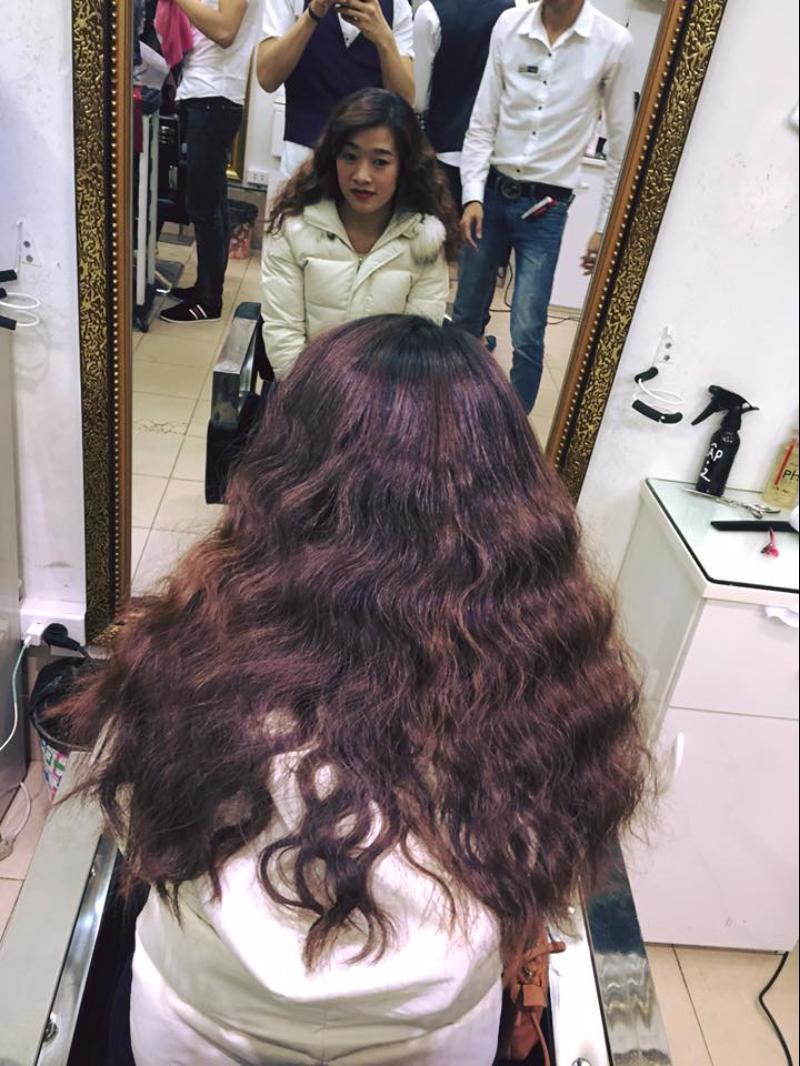 Tóc dài uốn xoăn sóng