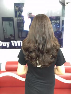 Tóc dài xập xù uốn xoăn đuôi