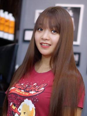 Tóc dài duỗi thẳng