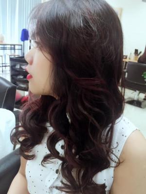 Tóc dài uốn xoăn