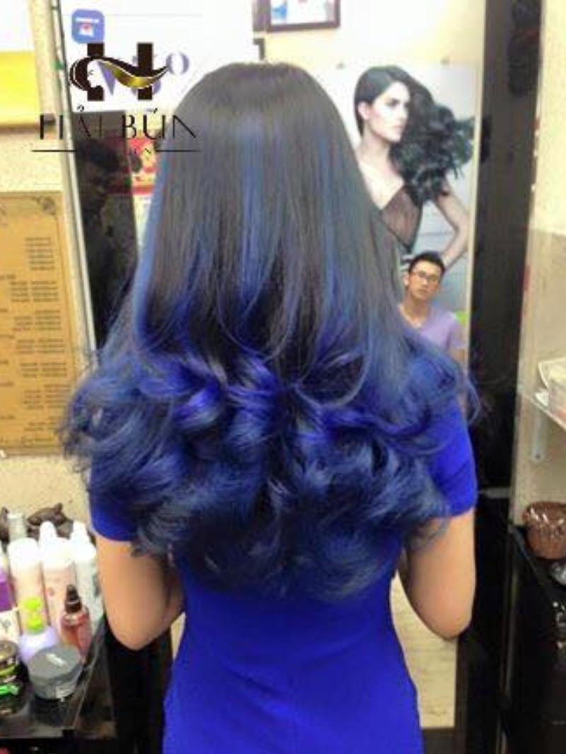Tóc xanh xoăn đuôi