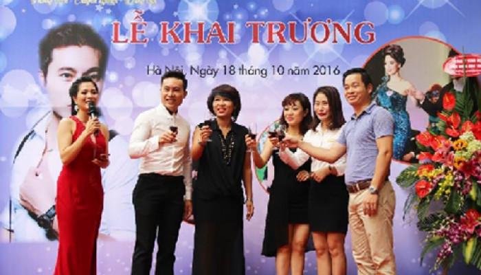 Khai trương Hairsalon Standard (38/45 phố Trần Thái Tông)