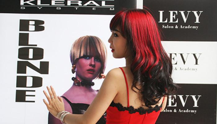 Tóc và Cuộc sống- Sắc Phương về trên phố tại LeVy Hairsalon