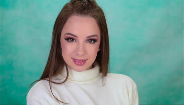 Makeup với gam màu nâu khói