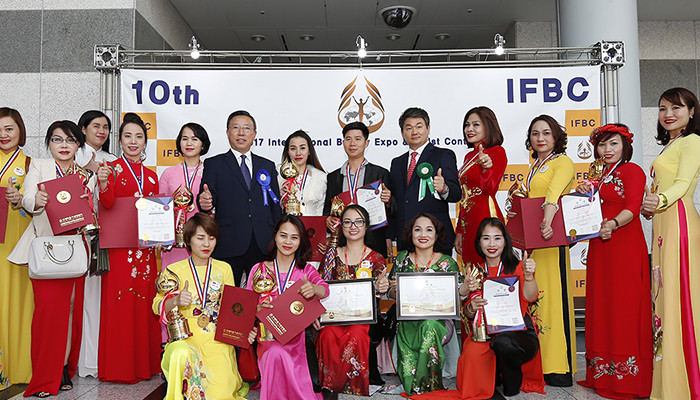 Những hình ảnh đẹp của Đoàn Việt Nam trong Đại hội chuyên gia thẩm mỹ quốc tế tại Hàn Quốc