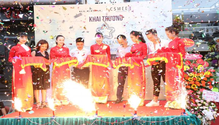 Tưng bừng khai trương Max Star Hair & Nail 171 Nguyễn Ngọc Vũ